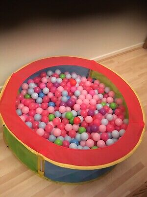 kids ball pit with balls