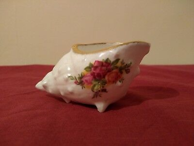 Royal Albert Old Country Roses Conch Shell Bone China Roses ENGLAND Vintage RARE