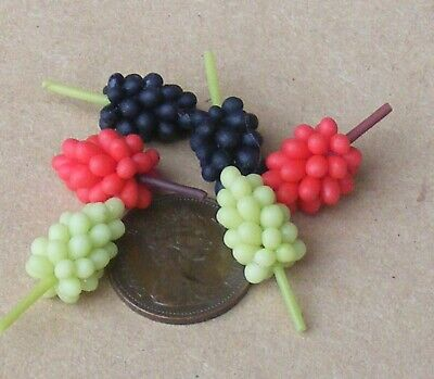 1:12 Scale 6 Bunches Of Mixed Grapes Tumdee Dolls House Miniature Fruit Garden