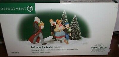 dept 56 dickens village heritage collection ACCESSORIES RETIRED