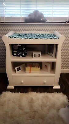 baby changing unit with drawers