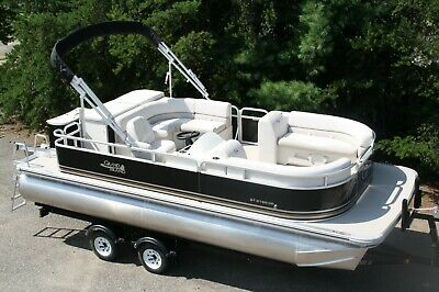 New 21 ft tritoon Grand Island Tahoe pontoon boat