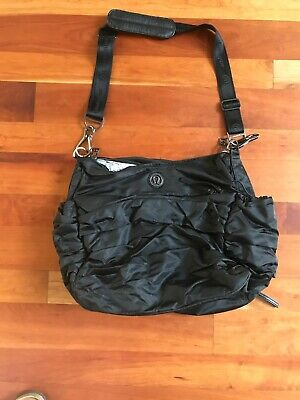 0911c12492 LULULEMON TRIUMPHANT BLACK GYM BAG Tote YOGA carry on with pockets CARRY ON