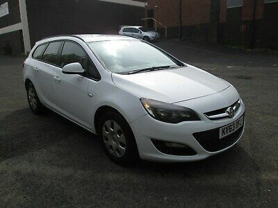 Late 2013 Vauxhall Astra Exclusive Cdti Ecoflex F/s/h Full Mot? £30 Tax Facelift