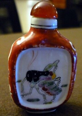 China  Porcelain Snuff bottle: crickets   鼻烟壶  Snuff bottle in porcellana
