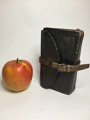 Victorian Fishing Fly Wallet With Flies Dated 1892 Approx 90 Flys