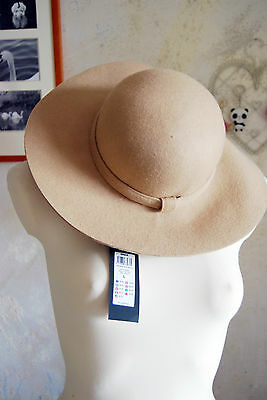 lovely beige ladies large hat by ONLY size L felt like fabric