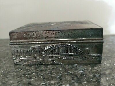 Metal Tin Cigarette Or Trinket Box Wood Lining Sydney Harbour Bridge