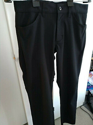 d8d4fd073a4 Men s Old Navy Slim Go-Dry Built-In Flex Performance Pants Black Size 30