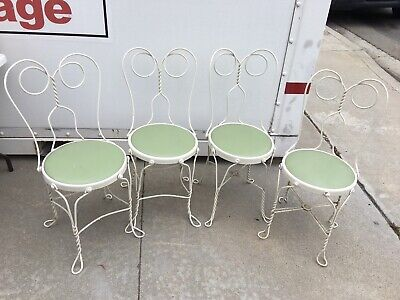 4 Matching Vintage Wrought Iron /Wood Ice Cream Parlor Chairs