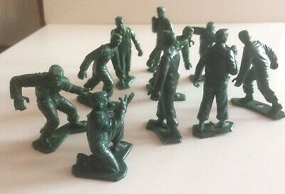 Vintage 'Scalextric' PIT CREW/SLOT CAR RACE TRACK FIGURES (10 in total)