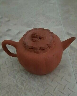 Antique Chinese terracotta Yixing teapot and lid. Dog of Fo