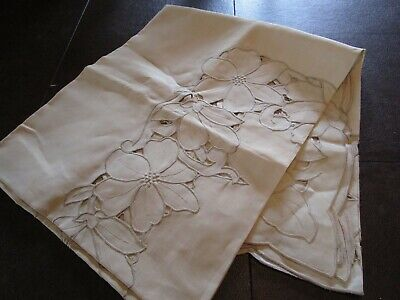 BEAUTIFUL Vintage Linen Madeira Cut Work Embroidered Tablecloth LILY POPPY flora