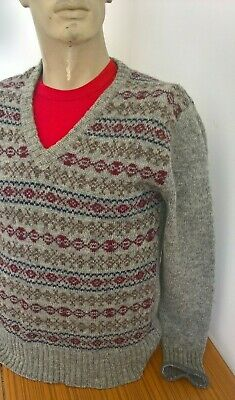 Vintage 80s 90s Resaknit Fair Isle style pure new wool V neck jumper size Small