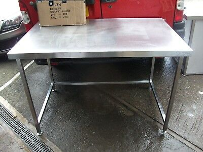 No278 Stainless Steel Center Bench / Table 1360Mm X 850Mm X 910Mm High