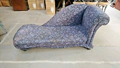 Chaise Longues In A Blue Colour With A decorative Pattern