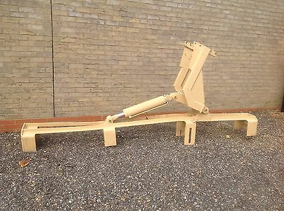 DRILLING RIG PIPE RACK HYDRAULIC POWERED FOR UP TO 3M PIPES 316cmLx36cmWX134cmH