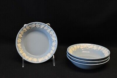 Wedgwood Queensware Cream Color Lavender Plain Edge Set of 4 Fruit Dessert Bowls