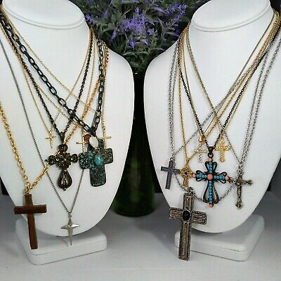 Mamas Estate Vintage-Now Religious Cross Pendant Fashion Necklace Lot N-18