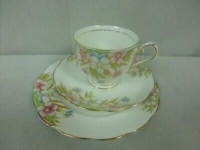 Royal Albert Bone China Pastel Pink Flowers Design Trio-Cup,Saucer & Plate (Qu)