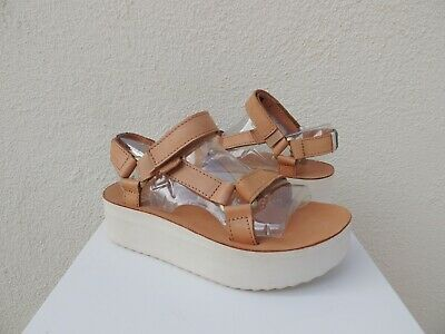 d60c4fb26d38 TEVA TAN FLATFORM Universal Crafted Leather Strappy Sandals
