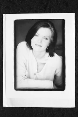 Bellamy Young - 8x10 Headshot photo w/ Resume - We Were Soldiers