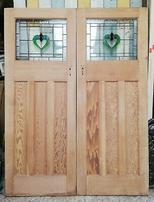 A PAIR OF PRETTY PITCH PINE EDWARDIAN STAINED GLASS INTERNAL DOORS Ref DP0263
