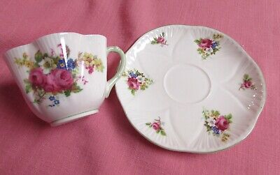 "Shelley ""Dainty Rose"" Tea Cup & Saucer Green Trim Fine Bone China S26"