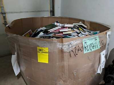 Pallet of ~1200 Books, MIXED and unsorted (Liquidation pallet)