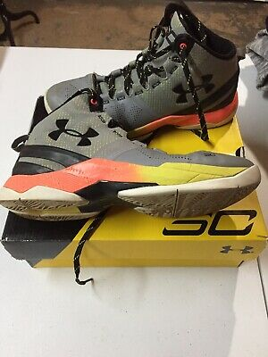 c304f77c41c Youth UNDER ARMOUR SC STEPH CURRY GREY BLACK YELLOW BASKETBALL SHOES SZ 6.5  Y
