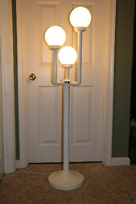 Vintage Mid Century Atomic Space Age Style 3 Globe Indoor / Outdoor Floor Lamp