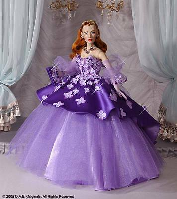 """DAE Originals Vivian ROMANCE collection """"EVENING LILAC'S"""" NRFB complete w jewels"""