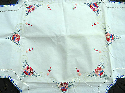c 1920s antique arts crafts mission era embroidery Christmas linen table topper