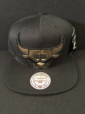 reputable site fa266 ee241 Chicago Bulls Mitchell   Ness NBA Gold Snapback Hat XL Logo HWC Cap New