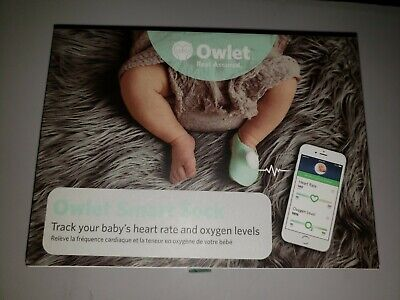 Owlet Smart Sock Baby Monitor -2nd Generation. Includes 7 socks. Excellent