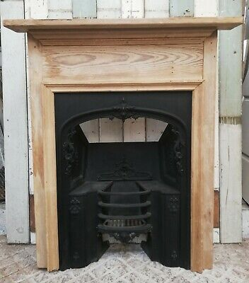 EARLY VICTORIAN CAST IRON HOBGRATE INSERT AND PINE FIRE SURROUND Ref FS0069