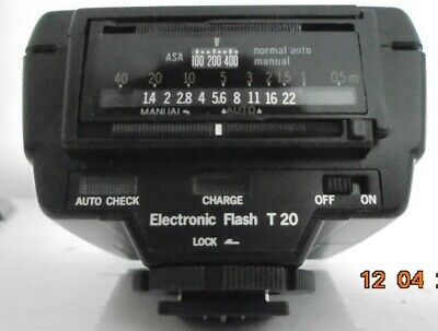OLYMPUS Electronic Flash Model T20 with Case-- (Batteries required)