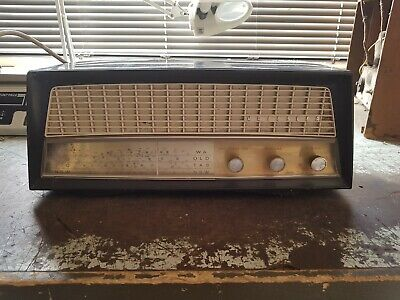 Kriesler Model 11-81A Tube radio