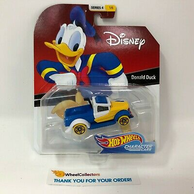 Donald Duck * 2019 Hot Wheels DISNEY Pixar Character Cars Case C * Series 4