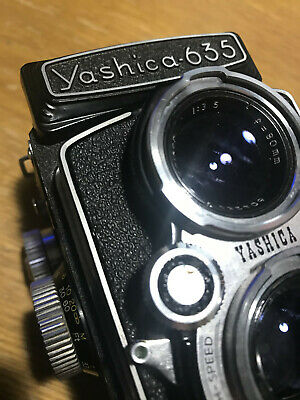 Yashica 635 TLR Medium-format camera clean, tight, and working