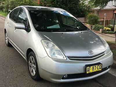 TOYOTA PRIUS HYBRID HATCHBACK 2005 ONLY 126000kms with log books