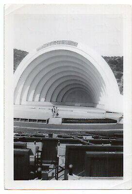 FOUND PHOTO Vintage Snapshot ca.1940s AUNT MOLLIE & GERTIE Go To Hollywood Bowl