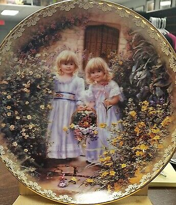 SISTER'S LOVE FOREVER Sandra Kuck WONDERS TO SHARE Collector Plate NIB