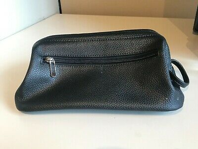 Royce Leather Toiletry Travel Wash Bag with Zippered Bottom Compartment Black One Size 260-BLACK-3
