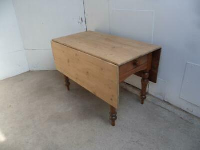 A Fantastic Antique/Old Pine/Elm Welsh 8 Seater Drop Leaf Kitchen/Dining Table
