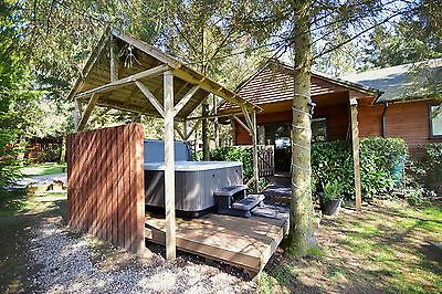 4 Night Winter Midweek Break in Log Cabin with Hot-Tub at Rocklands Lodges