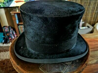 Antique top hat With Leather Box