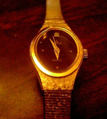 Vintage Lorus  Lady Gold Tone Analog Quartz Watch Works Great