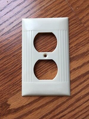 Used Vintage Sierra Bakelite Ivory Ribbed Outlet Plate Cover USA Made