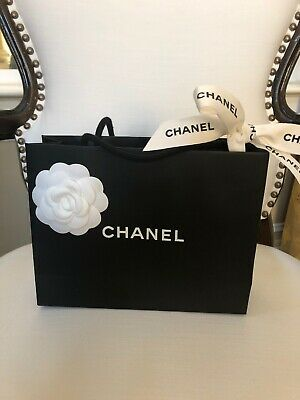 75d3039b1987 CHANEL WHITE GIFT BAG PAPER SHOPPING BAG RED CAMELIA ROSE ROPE ...